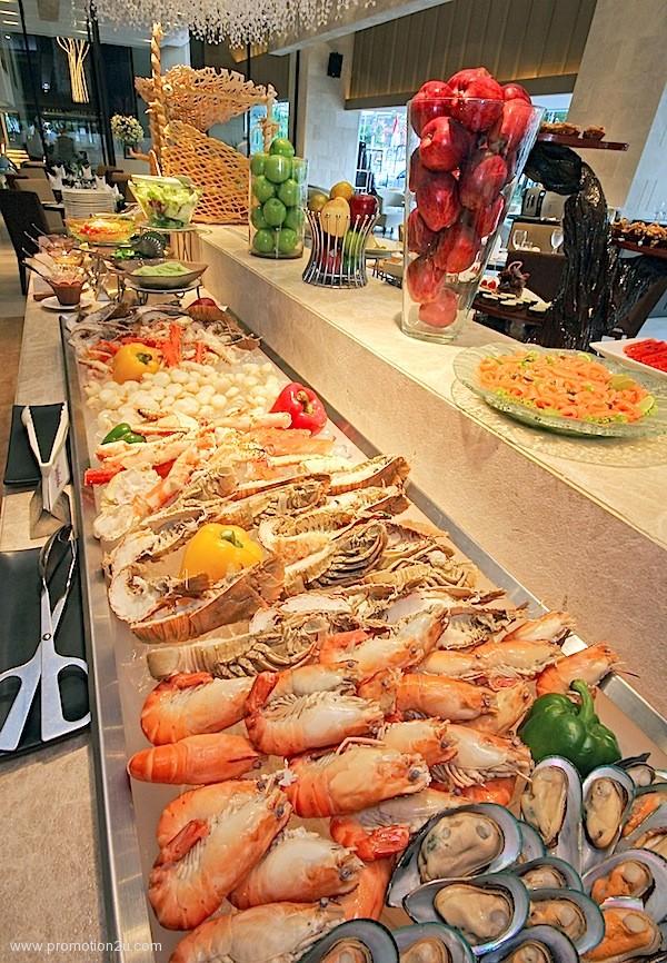 โปรโมชั่นบุฟเฟ่ต์นานาชาติมื้อค่ำลด 50% หรือ มา 2 จ่าย 1 ที่ห้องอาหาร World Restaurant @ Grand Mercure Fortune