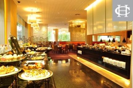 โปรโมชั่นซิตี้แบงก์บุฟเฟ่ต์มื้อค่ำ 2 จ่าย 1 ที่ห้องอาหารเจส เรสเตอรองส์ โรงแรม Century Park (เมย.-พค.56)