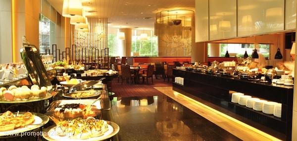 โปรโมชั่นบุฟเฟ่ต์มา 3 จ่าย 2 กับบัตรเครดิต ธนาคารกรุงเทพฯ ที่ห้องอาหาร Jess โรงแรม Century Park ( เม.ย.56 )