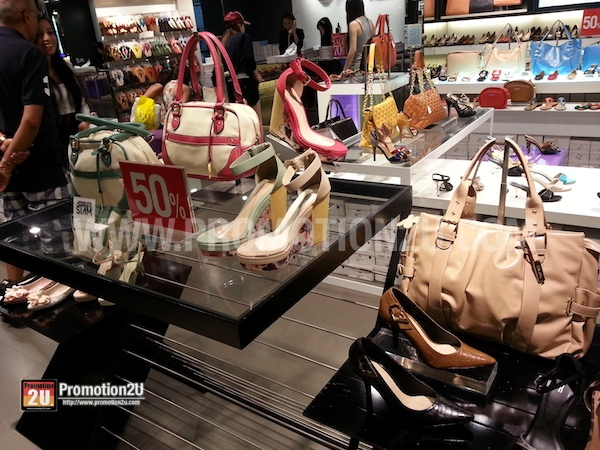 Promotion VNC Clearance Sale 2013 up to 70% @ Siam Center Branch P1