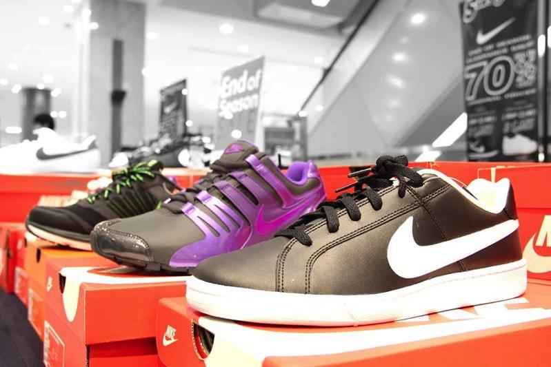 Promotion Isetan Sneakers Grand Sale 50  80 P02