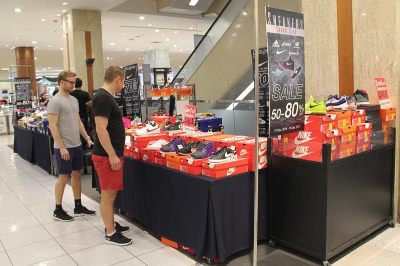Promotion Isetan Sneakers Grand Sale 50  80 P06