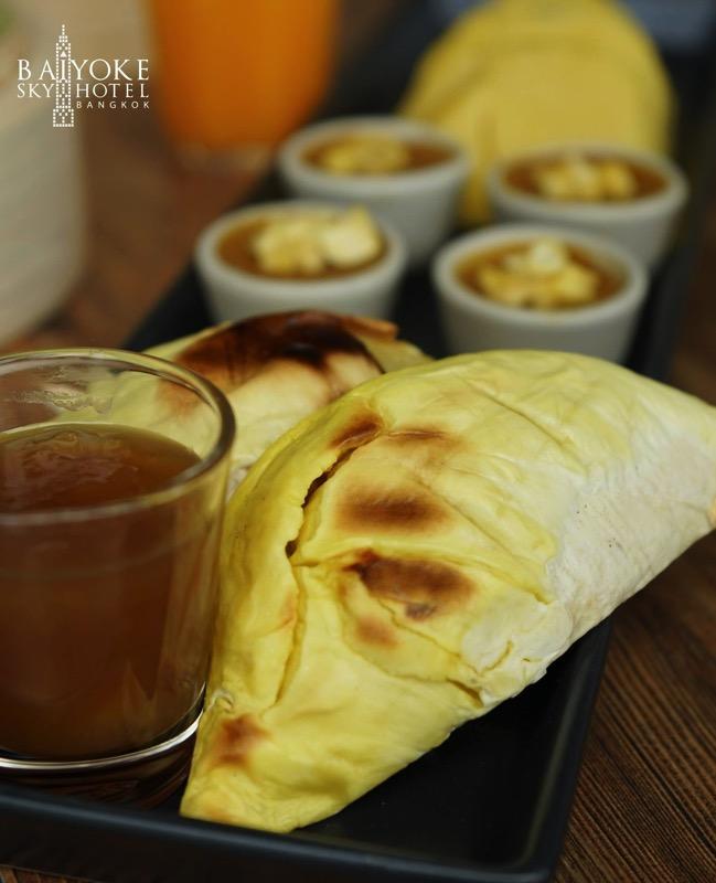 Promotion Fruit Buffet Durian and Mango Fever at Baiyok Sky Hotel Bangkok P04
