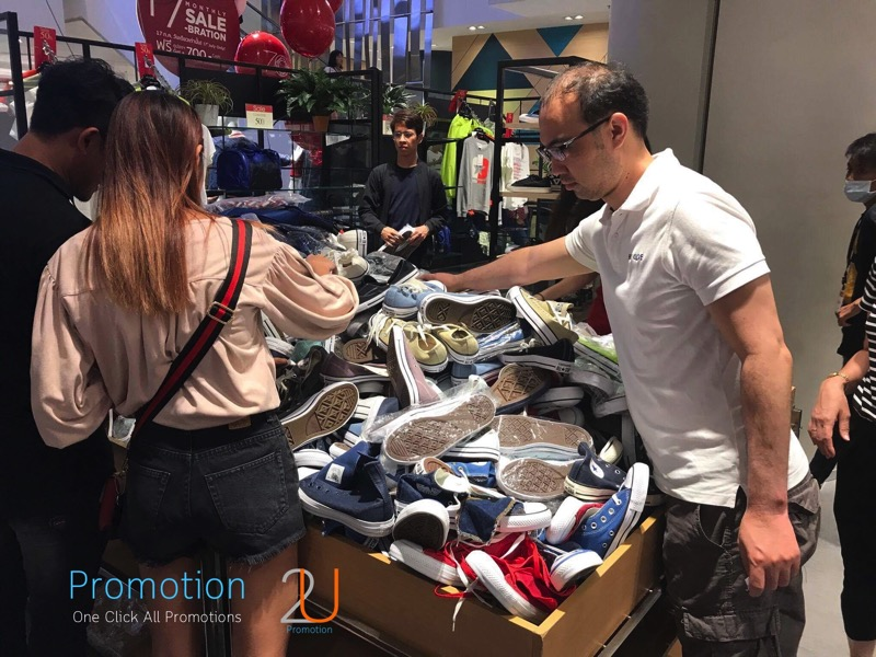 Promotion Converse Sale 50 started at 100 Baht P03