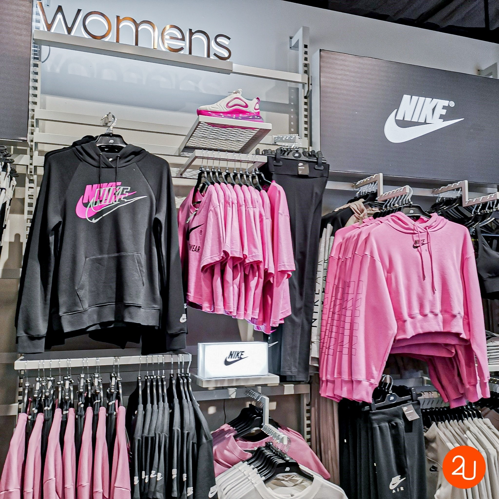 Items list Pink Collection By Nike (3)