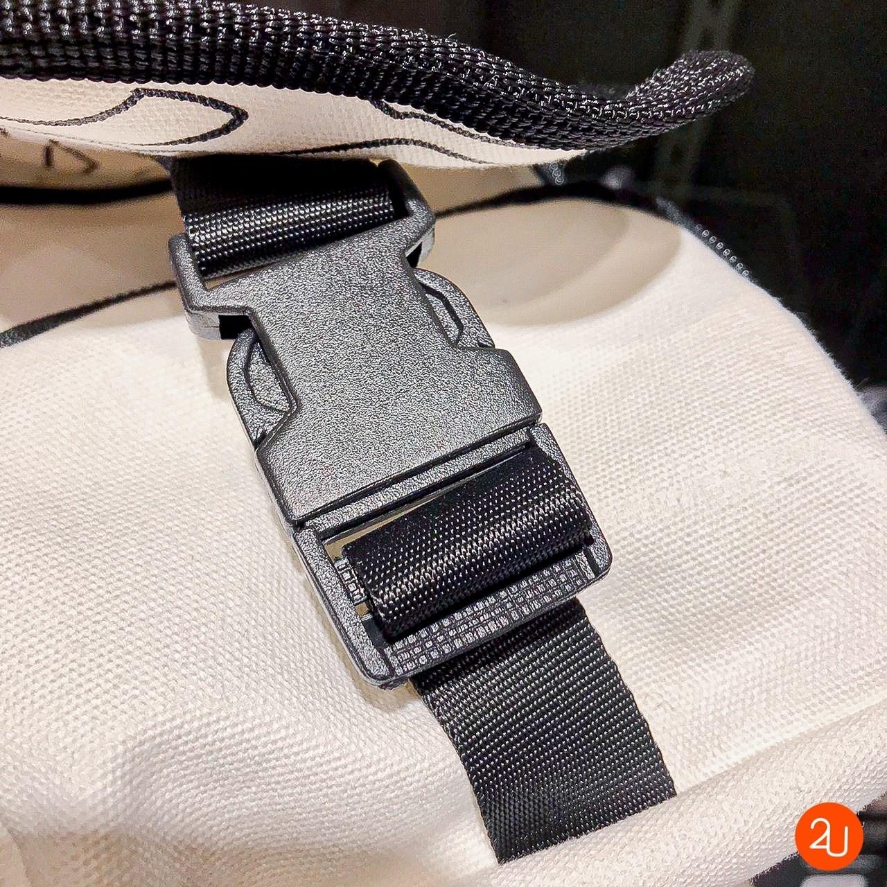 Shoulder bag Limited edition White